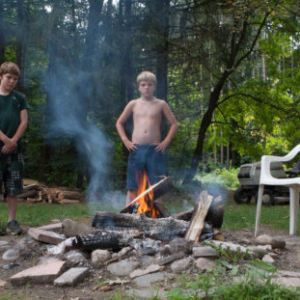 Kristine Brailey, Boys with fire, 2014