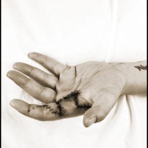 Nigel Poor, Melissa, from the series Hand Job. Image courtesy of www.nigelpoor.com