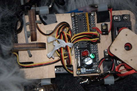 Erika Hannes, Medusa Project, Baby Medusa, internals. Image courtesy of www.kika.us